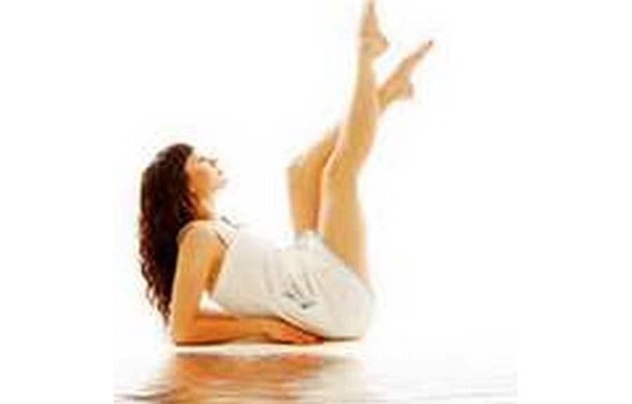 Как защитить ноги от отеков и варикоза