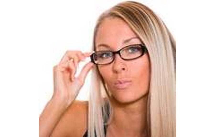 Как красить глаза если вы носите очки?