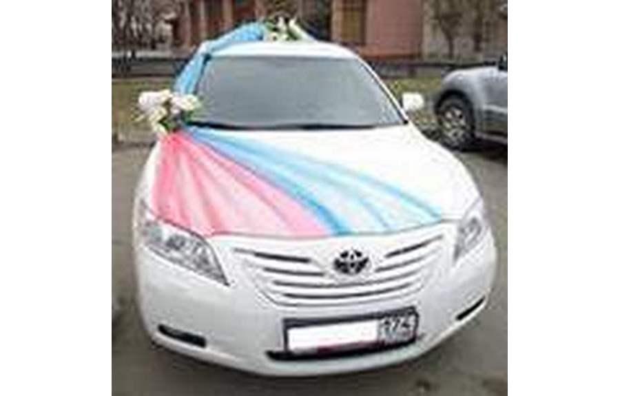 Как украшать автомобили на свадьбу