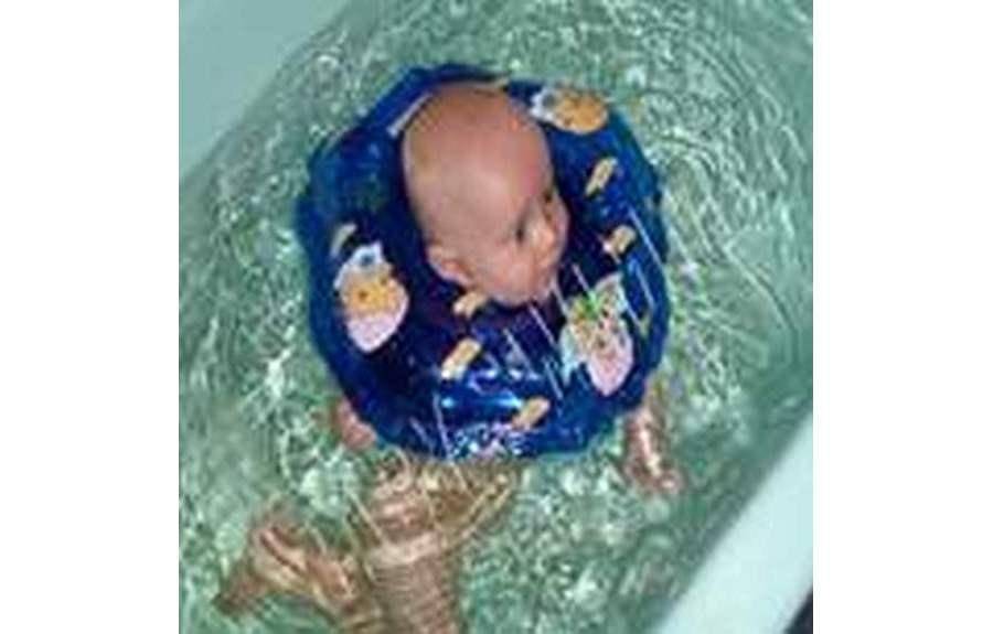 Особенности купания новорожденных детей