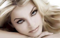 Модный макияж  - красивые губы, тон лица, глаза