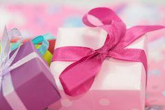 Какой подарок выбрать для новорожденного