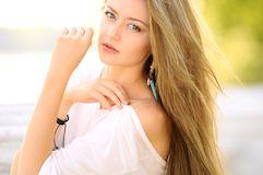 Преимущества профессионального мелирования и брондирования волос